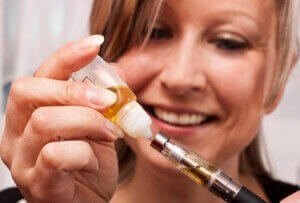 e-zigarette-liquid-befuellen
